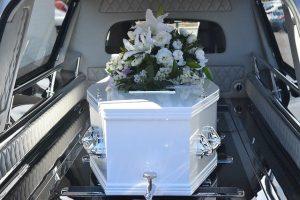 decomposition d'un corps dans un cercueil